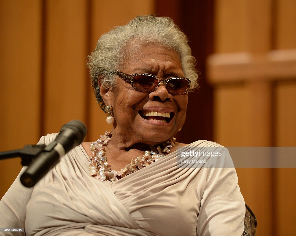 Dr. Maya Angelou Speaks At Congregation B nai Israel : News Photo