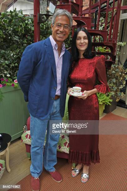 Dr Mitch Besser founder of mothers2mothers and Susie Cave attend the mothers2mothers Host Committee Breakfast at Mark's Club on September 7 2017 in...