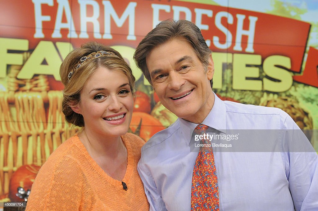 THE CHEW - 6/4/14 - Dr  Oz cooks with daughter Daphne on the