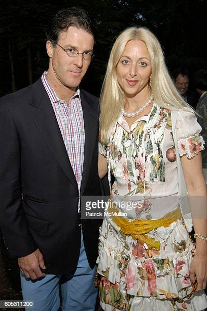 Dr Patrick Stubgen and Dana Stubgen attend WANDA MURPHY Unveils her IN MEMORY OF YOU Collection at EZAIR GALLERY NELLO'S on May 28 2006 in...