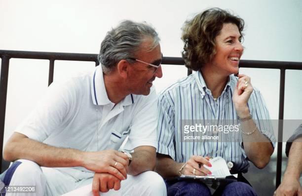 Dr. Reiner Klimke mit seiner Frau Ruth am 19.9.1988 als Zuschauer bei Olymischen Spielen in Seoul. Der sechsmalige Olympiasieger Dr. Reiner Klimke...