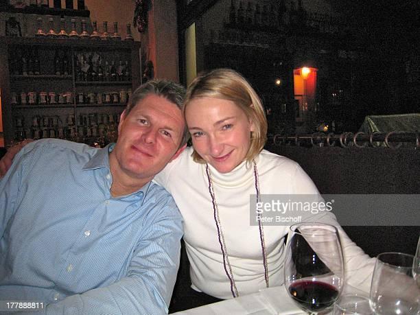 Dr Robert Pfitzmann Ehefrau Dominique Griechisches Restaurant Berlin Deutschland Zehlendorf Europa umarmen ChefArzt Chirurg