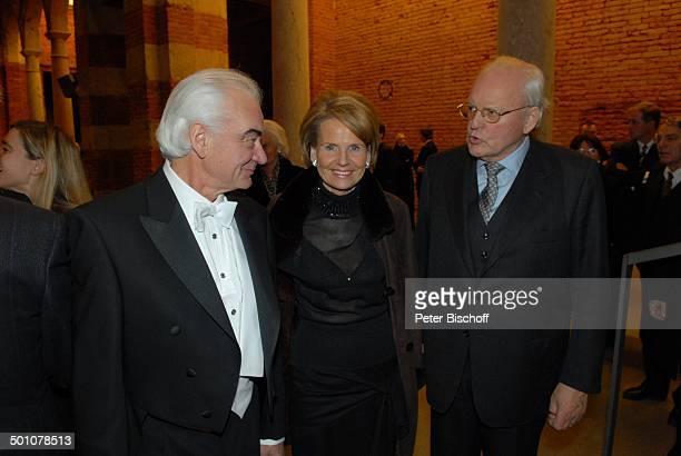 Dr Roman Herzog dessen Ehefrau Freifrau Alexandra von Berlichingen Bruder Theo Herzog AdventsBenefizKonzert zu Gunsten der 'Europahilfe für Kinder...