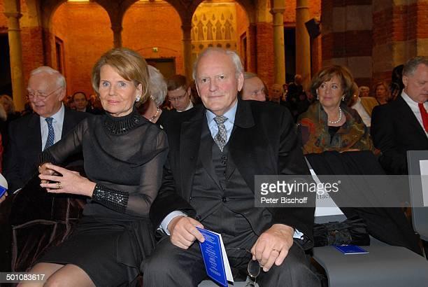 Dr Roman Herzog dessen Ehefrau Freifrau Alexandra von Berlichingen AdventsBenefizKonzert zu Gunsten der 'Europahilfe für Kinder eV' 'Allerheiligen...