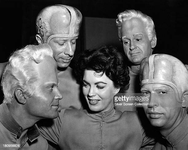 Dr Ruth Adams played by American actress Faith Domergue with Metalunan aliens including Exeter played by Jeff Morrow and Brack played by Lance Fuller...