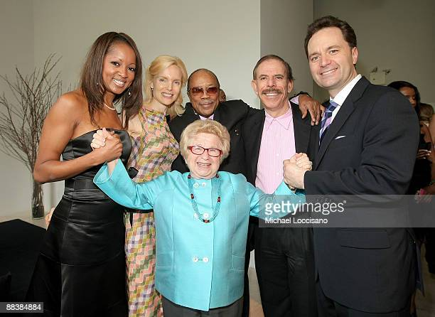 Dr Ruth Westheimer Jacqueline Page Mary Max Music Mogul Quincy Jones artist Peter Max and Paul Durante attend the Duke Of Edinburgh's Award Luncheon...