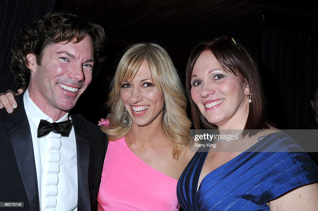"""""""An Evening of Electric Youth"""" to Benefit Gibson Girl : News Photo"""