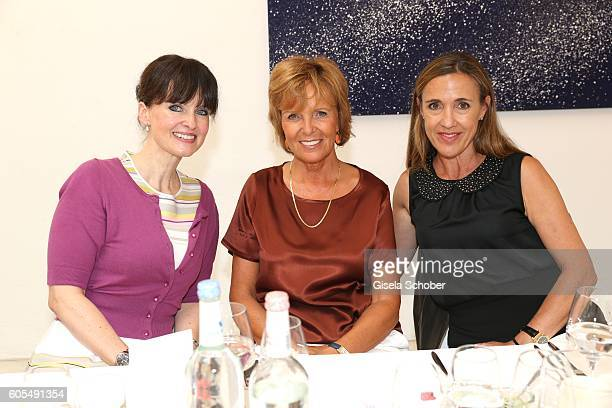 Dr Sonja Lechner Ulrike Kriener and Susanne Graefin von Moltke during the Ladies Art Lunch at Galerie Vogdt on September 13 2016 in Munich Germany