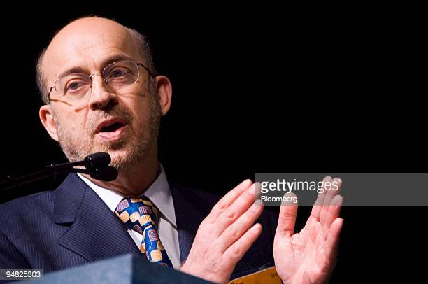 Dr Steven Nissen interim chairman of cardiovascular medicine at the Cleveland Clinic speaks at the American College of Cardiology 2006 Summit in...