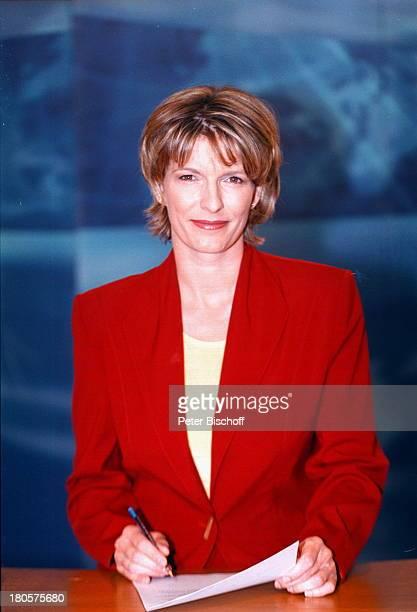 Dr Susanne Holst ARDNachrichtenHamburg Studio der TagesschauFernsehstudio Manuskript