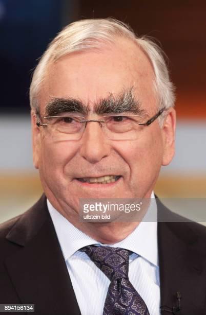 Dr Theo Waigel in der ARDTalkshow ANNE WILL am in Berlin Erst begrenzen später gar abschaffen Nimmt uns der Staat das Bargeld weg
