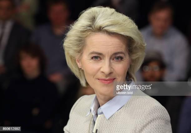 Dr Ursula von der Leyen in der ZDFTalkshow maybrit illner am in Berlin Feilschen um die Flüchtlinge Was bringt Merkels TürkeiPlan