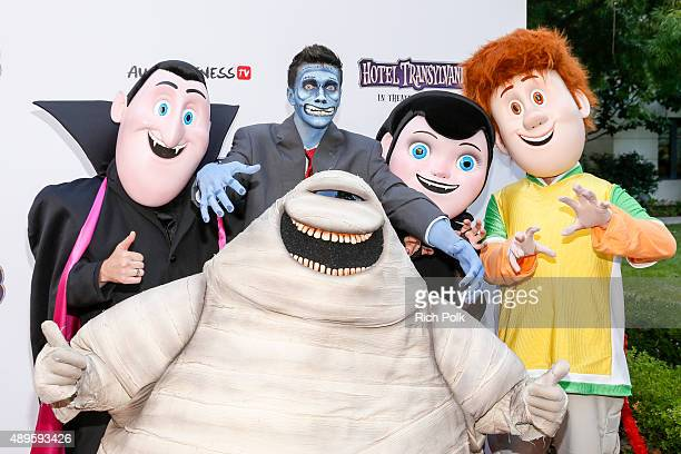 Drac Murray YouTube star Collins Key Mavis and Jonathan pose for a photo at the Hotel Transylvania 2 Special Screening Hosted By Awesomeness TV Fifth...