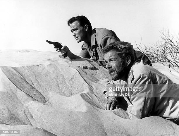 Drache Heinz*1923Schauspieler D mit Richard Todd in dem Spielfilm Sanders und das Schiff des Todes um 1965