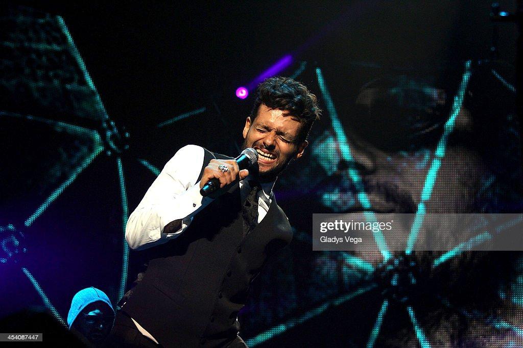 Draco Rosa performs at Coliseo de Puerto Rico on December 6, 2013 in San Juan, Puerto Rico.