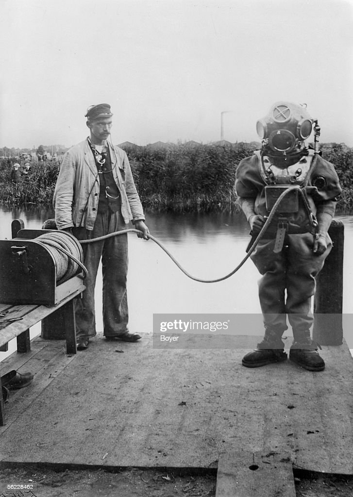 Draeger diving suit, around 1900  News Photo - Getty Images
