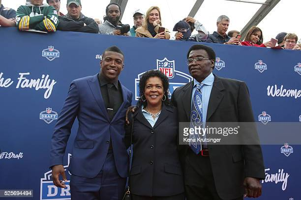 Draftee Keanu Neal of Florida arrives with family to the 2016 NFL Draft on April 28 2016 in Chicago Illinois