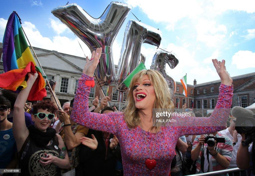 IRELAND-GAY-MARRIAGE-VOTE : News Photo