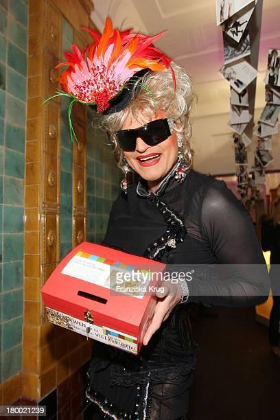 Drag Queen Olivia Jones Bei Der Sommerparty 'Charity Dance' Der Agentur Mega Models Im Moondoo In Hamburg