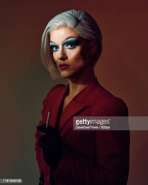 drag queen portrait - drag queen fotografías e imágenes de stock