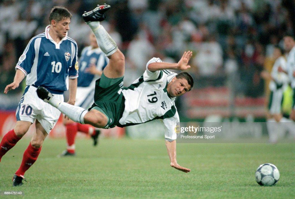 FR Yugoslavia v Slovenia - UEFA Euro 2000 : News Photo