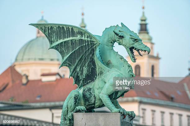 dragon bridge - リュブリャナ ストックフォトと画像