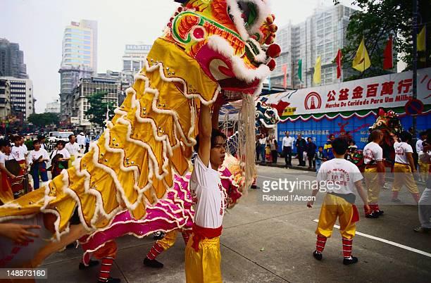 Dragon dance, Macau