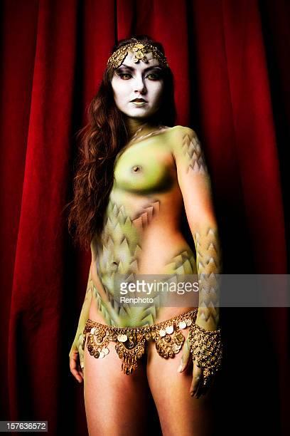 lady serie dragon - body paint fotografías e imágenes de stock