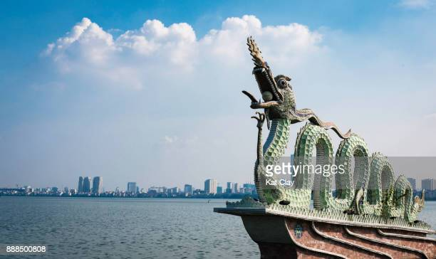 Dragon statue at West Lake