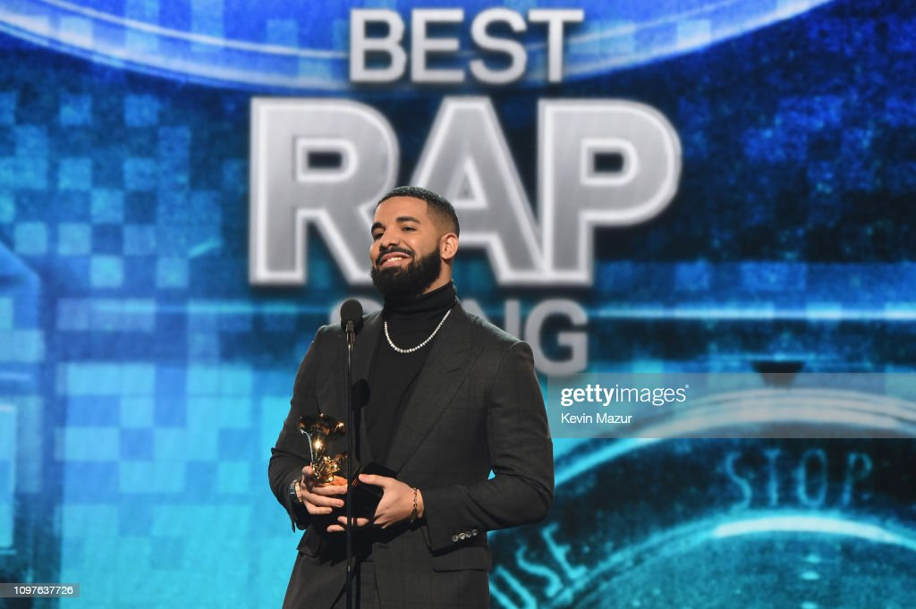 Drake Accepts The Best Rap Song Award For God S Plan Onstage