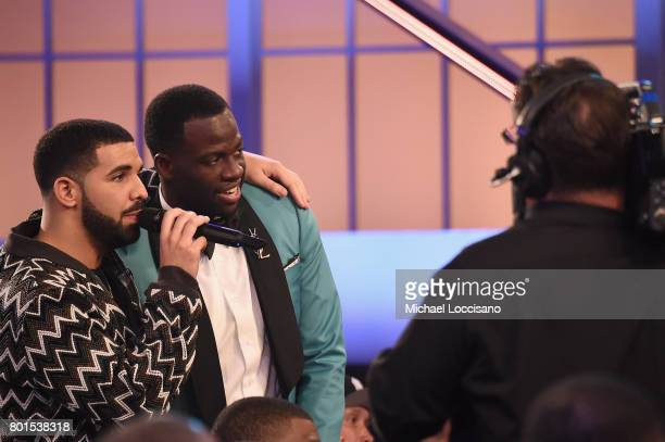 Drake and NBA player Draymond Green speak in the audience during the 2017 NBA Awards Live On TNT on June 26 2017 in New York City 27111_001