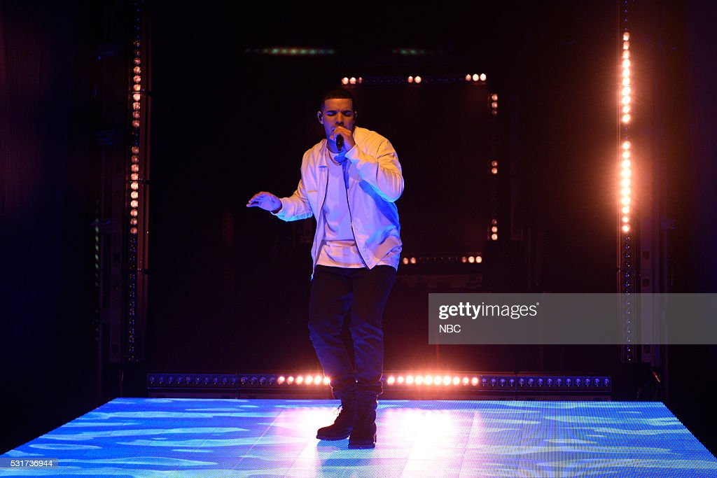 LIVE -- 'Drake' Episode 1703 -- Pictured: Musical guest Drake performs on May 14, 2016 --