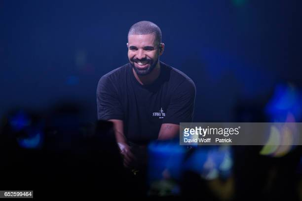 Drake performs at AccorHotels Arena on March 12 2017 in Paris France