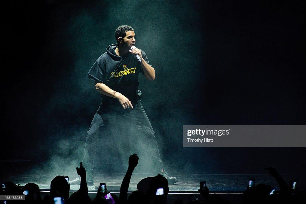 Drake Vs Lil Wayne - Chicago, IL : News Photo