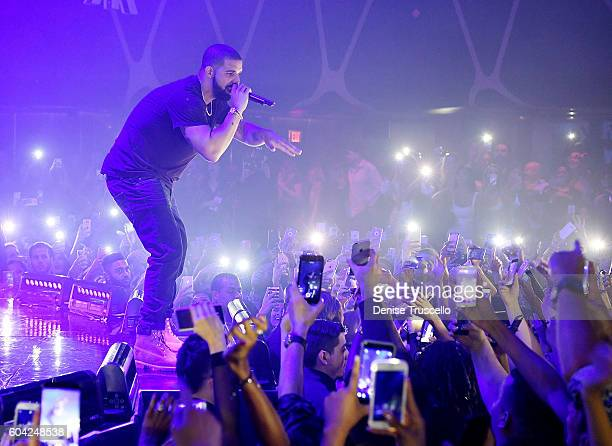 Drake performs at his official concert after party with Virginia Black at Hakkasan Las Vegas Restaurant and Nightclub on September 11 2016 in Las...