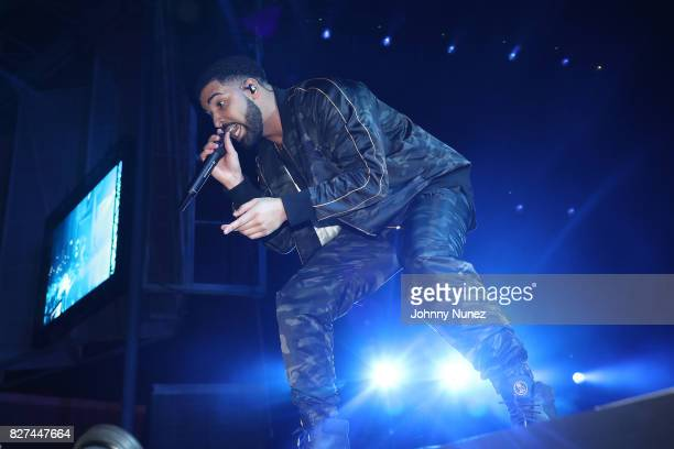 Drake Performs at OVO Fest In Toronto For Caribana 2017 on August 7 2017 in Toronto Canada