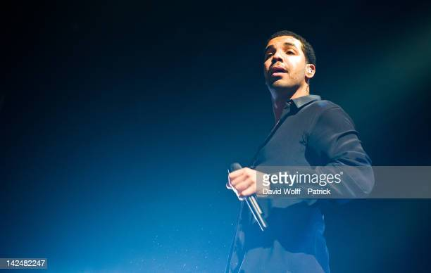 Drake performs at Palais Omnisports de Bercy on April 5, 2012 in Paris, France.