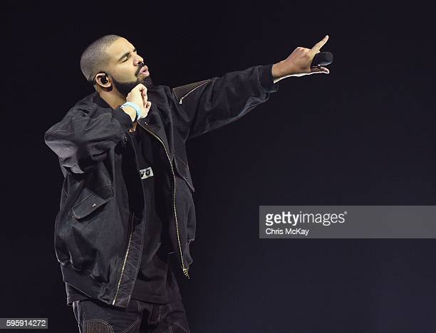 Drake performs at Philips Arena on August 25 2016 in Atlanta Georgia