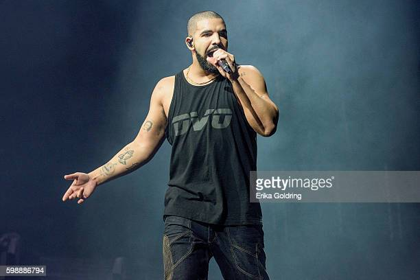 Drake performs at Smoothie King Center on September 2 2016 in New Orleans Louisiana