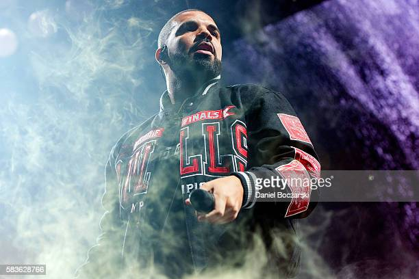 Drake performs during the Summer Sixteen Tour at United Center on July 26 2016 in Chicago Illinois