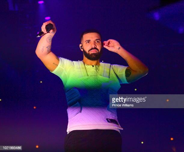 Drake performs in Concert at Aubrey & The Three Amigos Tour - Chicago, Illinois at United Center on August 17, 2018 in Chicago, Illinois.