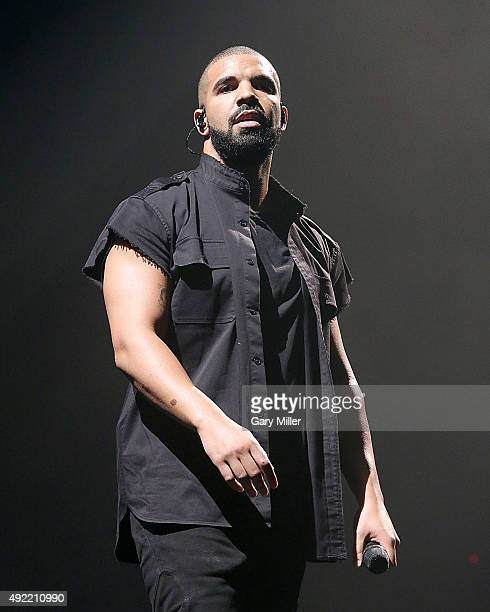 Drake performs in concert on the 2nd day of the 2nd weekend of the Austin City Limits Music Festival at Zilker Park on October 9 2015 in Austin Texas