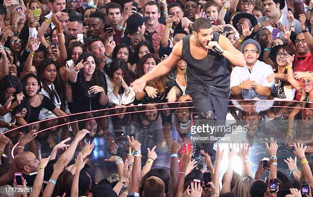 Drake performs onstage during the 2013 MTV Video Music Awards at the Barclays Center on August 25 2013 in the Brooklyn borough of New York City