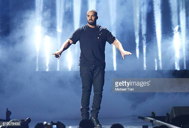 Drake performs onstage during the 2016 iHeartRadio Music Festival Night 1 held at TMobile Arena on September 23 2016 in Las Vegas Nevada