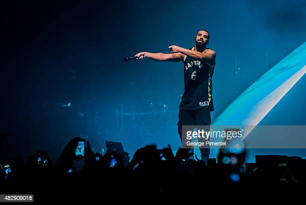 84dae16cd Drake perfrrms during 2015 OVO Fest at Molson Canadian Amphitheatre on August  3 2015 in Toronto