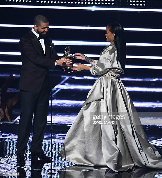 Drake presents Rihanna with the The Video Vanguard Award during the 2016 MTV Video Music Awards at the Madison Square Garden in New York on August 28...