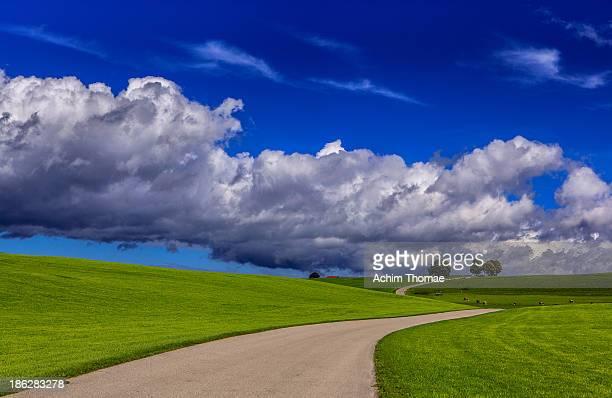 dramatic clouds - achim thomae stock-fotos und bilder