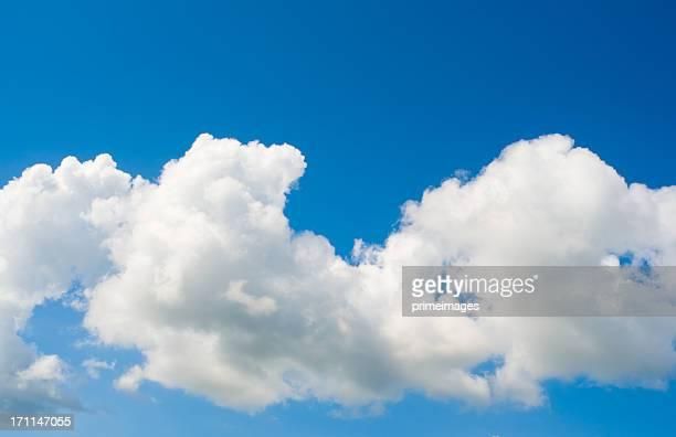 Dramatique ciel nuageux