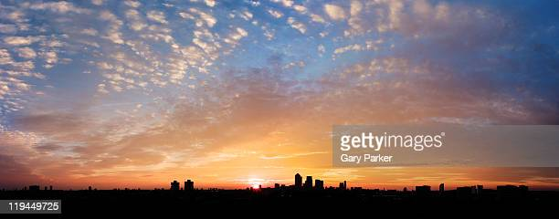 dramatic dawn london - horizon stock pictures, royalty-free photos & images