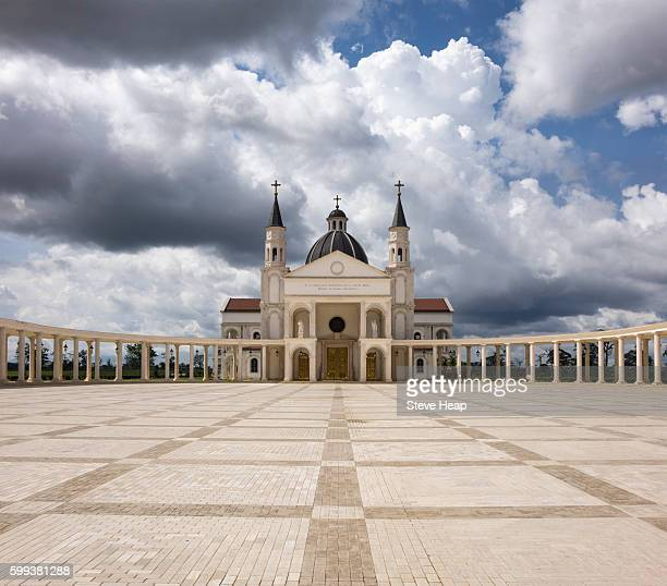 dramatic image of the basilica of the immaculate conception of the virgin mary in mongomo, equatorial guinea in africa - guinea ecuatorial fotografías e imágenes de stock